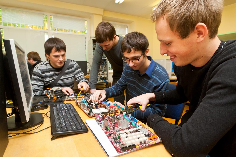 Computer Engineering Careers - ComputerCareers.org